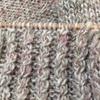手紡ぎ糸でラグランセーターを編んでいます(前身頃まで)