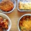 鯖カレー、唐揚げピーナッツ、挽肉コロッケ、玉子焼き