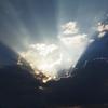 雲ではなく、太陽を見つめて