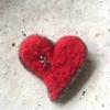【フェルトブローチ】「Valentine's radio」