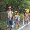 登校の風景:「0の日」 明日から「夏の交通安全県民運動」スタート