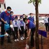 Vientiane Times トンルン首相、植樹イベントに参加