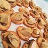 Toast au foie gras et roulés au crabe et piment d'Espelette