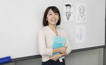 講師のアドバイスをメモしたレジュメファイルが武器に。― 日本語教育能力検定合格者のスクール活用術
