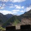 旭ダムを通って釈迦ヶ岳にバイクで上がる