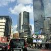 なにげな一葉/渋谷のスクランブル交差点で信号待ち