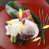 正しい刺身の食べ方~食べる順番からワサビのつけ方、タブーまで紹介~