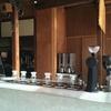 ブルーボトルコーヒーの店内です