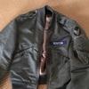 ナイロン素材のフライトジャケット…