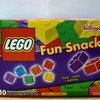 Kellogg's Lego Fruit Flavored Snacksを買ってきた。