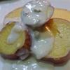 さつまいものハニーレモン煮、ブルーチーズのソースかけ