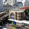 阪急三宮駅ビルの建て替え工事現場