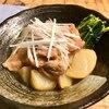 カブと鶏もも肉の炒め煮♬ 蕪は、カブなのかカブラなのか?