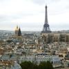 パリの謎の建造物