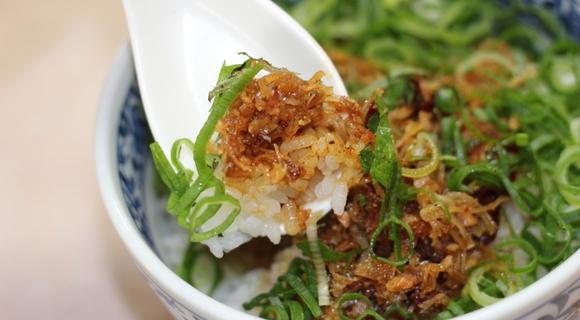 うま味のオンパレード!ネギ山盛りもうれしい「吉林菜館」のXO丼が鬼ウマ【大阪】