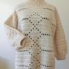 オーバーサイズのセーターを編みました。