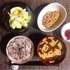 雑穀ごはん、キャベツエッグサラダ、小粒納豆。
