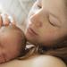 【出産直後のカンガルーケアは効果絶大! 注意点を守ればね。】