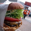 ●Nack5スタジアム「ネオ屋台村」のグルメハンバーガー
