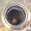 排水溝のチョウバエ対策!発生源となる隙間をパテで埋めた