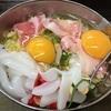 大阪天満で人気の「千草」は、自分で焼くスタイルのお好み焼き屋さん。