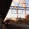 南から順番に、鉄道のまわりの風景