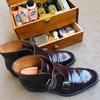 【愛用品】今日の靴磨き。花粉にまみれながらボナフェを磨く👞✨