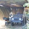 藁葺き壁の車庫