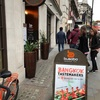 謎の黒いタイカラマリがお勧め。タイ料理店 Busaba Eathai in Leicester Square