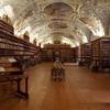 プラハ観光②:ブルタバ川の西側はプラハ城・聖ヴィート大聖堂や世界一美しい図書館など見どころいっぱい