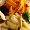 鯖と根菜(大根、牛蒡、パースニップ)の味噌煮と焼き野菜(パプリカ青梗菜椎茸)、香味野菜の味噌汁
