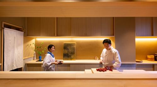 【PR】伝統と格式だけではない、 イノベーティブな京都を 「見る、買う、食べる」。