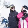 子どものウィンタースポーツデビュー!スキー、スノーボードどっちがいいの!?スキーから始めた方がよいという意見が多いのはなぜ?