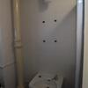 都営住宅 洗面所にミラーキャビネット取り付け