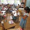 1年生:図工 箱で作った作品鑑賞会
