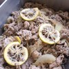 豚の黒ごまレモン炒め