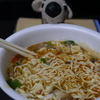 ニュータッチ元祖ねぎラーメン、パンチのあるラー油の辛さとねぎの幸せな食感