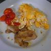 幸運な病のレシピ( 1512 )朝:バターオムレツ、さば味噌煮、鮭、ヒラメ(?)、味噌汁