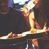 【デートでの支払い】異性との食事の際は、男女問わず「誘った方」が伝票を持って支払いに行くべき