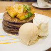 チョコバナナ好きにはたまらない美味しさだった、voivoiの「焼きバナナとバナナアイスのパンケーキ」