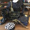クッシュマン/CUSHMAN スタッズベルトに新作オイルレザーショルダーバッグを合わせてきめる!!