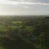 ミャンマーで旅気分、夜行バスで観光地を周遊