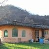 韓国・自作ストーブとオンドルの旅12 アースバック&ロケットストーブの家