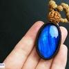 深いブルー極まる!インスピレーションを高めたいあなたへ!キラキラBIGラブラドライトの高品質ルドラクシャマーラーペンダント(菩提樹の実)第5・6チャクラ対応