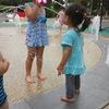 エンゼルドーム春日部の水遊び(噴水とウォータースライダー)