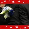 手作り青の薔薇のコサージュ付けて〜〜💙