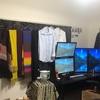 服がいっぱいの部屋