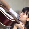 ギターの中に入ってしまったピックを取ろうとする長久玲奈が可愛すぎるw「出ておいで〜」