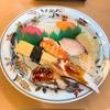 回らない寿司屋さんでゆっくり食べるのも良いですね