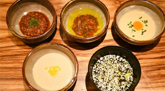 【毎日でも飽きない】和食の職人が考案した、鍋ものの「つけダレ」最新レシピ5選
